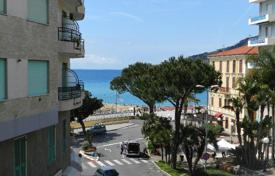 Cheap residential for sale in Ospedaletti. Central apartment with terrace and sea view