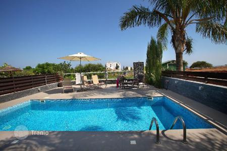 Property for sale in Cyprus. Villa with garden and swimming pool not far from the beach