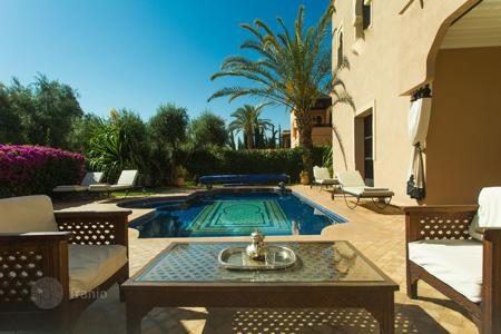 4 bedroom villas and houses to rent in Marrakech-Tensift-El Haouz. Villa – Marrakesh, Marrakech-Tensift-El Haouz, Morocco