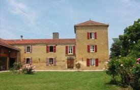 Property for sale in South - Pyrenees. Magnificent Domain with 7 guests'rooms on 5000m²