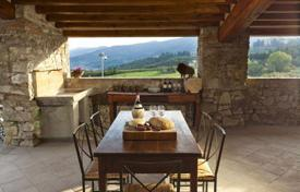 5 bedroom villas and houses to rent in Tuscany. Villa – San Donato In Collina, Tuscany, Italy