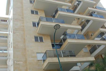 6 bedroom apartments for sale in Israel. Apartment – Netanya, Center District, Israel