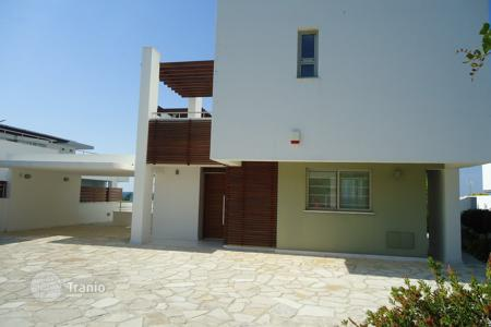 4 bedroom houses by the sea for sale in Paphos. Four Bedroom Detached Luxury Villa