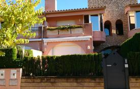 Coastal townhouses for sale in Costa Brava. Terraced house – S'Agaró, Catalonia, Spain
