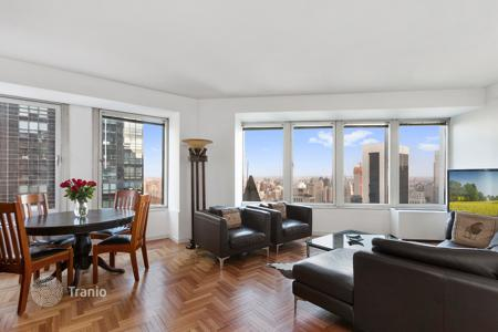 Apartments for rent with swimming pools in Manhattan. 2BR/2BATH ON A HIGH FLOOR WITH OPEN VIEWS TO THE ICONIC CENTRAL PARK