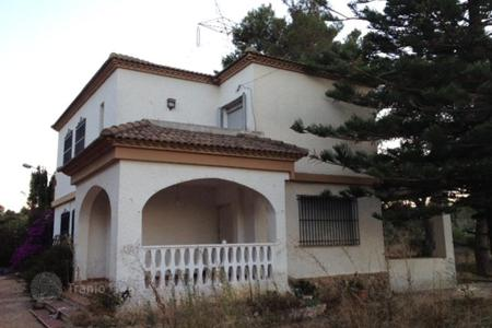 Foreclosed 6 bedroom houses for sale in Southern Europe. Villa – Torrent, Valencia, Spain