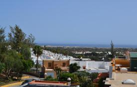 Coastal houses for sale in Gran Canaria. Wonderful family house in San Fernando