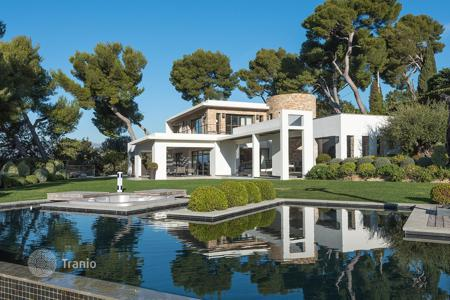 6 bedroom villas and houses to rent in Côte d'Azur (French Riviera). Cannes Californie — Splendid modern villa