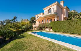 Enchanting villa overlooking the sea and the mountains, Benahavis, Andalusia, Spain for 2,950,000 €