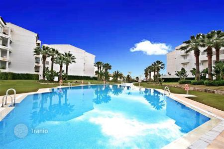 Residential for sale in Puerto Banús. Cosy apartment near the sea, Puerto-Banus, Spain