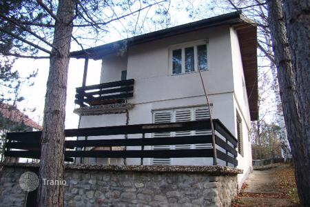 Cheap 3 bedroom houses for sale in Bulgaria. Detached house - Lovech, Bulgaria