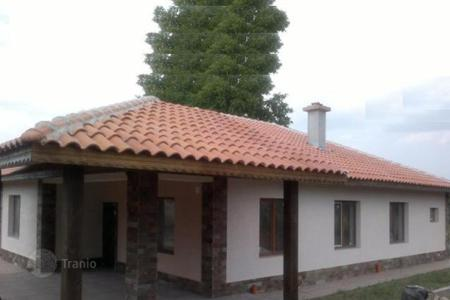 Property for sale in Voluyak. Detached house - Voluyak, Sofia-grad, Bulgaria