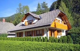 Property for sale in Slovenia. This is an attractive, substantial 4–5 bedroom house in the pretty village of Gozd Martuljek just 2 minutes from Kranjska Gora