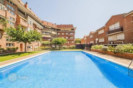 Townhouses for sale in Catalonia. Terraced house – Vilassar de Mar, Catalonia, Spain