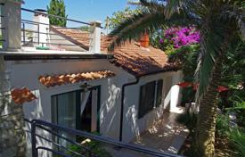 Residential for sale in Mali Losinj. Beautiful villa in the centre of Mali Lošinj