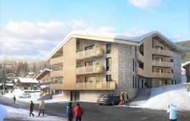 Ski in and out 3 bedroom apartments for sale in Les Carroz just steps to the centre of the resort for 629,000 €