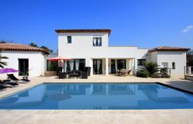 Property to rent in Le Luc. Villa – Le Luc, Côte d'Azur (French Riviera), France