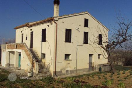 Property for sale in Abruzzo. Cozy house in Teramo, Italy