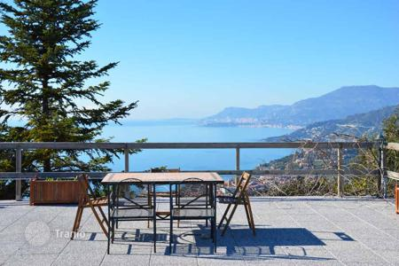 4 bedroom houses for sale in Camporosso. Villa with terraces, a pool, a garden, a jacuzzi, a panoramic sea view, and a guest house, Camporosso, Italy