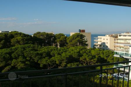 Cheap apartments with pools for sale in Costa Dorada. Apartment – Salou, Catalonia, Spain