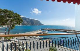 Eze waterfront, 2 room apartment on the waters edge with terrace for 695,000 €