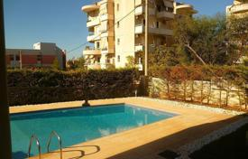 Apartments with pools for sale in Glifada. New apartments in a house with a swimming pool in the district of Ano Glyfada