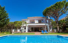 Houses with pools for sale in Costa del Sol. Villa in Hacienda Las Chapas