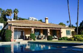 Houses for sale in El Paraíso. LOVELY FRONTLINE GOLF VILLA, EL PARAISO