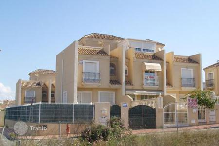 Coastal houses for sale in Guardamar del Segura. Villa – Guardamar del Segura, Valencia, Spain