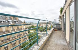 2 bedroom apartments to rent in France. Paris 16/ Foch — 2 Bedroom Apartment with Balcony