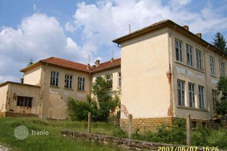 Cheap commercial property in Bulgaria. Business centre – Lovech (city), Lovech, Bulgaria