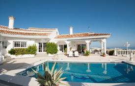 5 bedroom houses for sale in Benalmadena. Beautiful villa with a pool, a garden, a parking and sea and mountain views, close to the beach and the golf course, Benalmadena, Spain