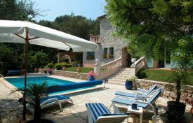 Villas and houses to rent in Menton. Villa – Menton, Côte d'Azur (French Riviera), France
