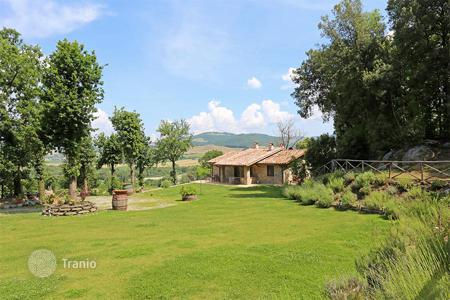 6 bedroom houses for sale in Lazio. Prestigious farmhouse for sale in Lazio