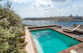 Sliema, Tigne Point, Partly Furnished Penthouse for 3,780,000 €