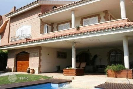 Coastal villas and houses for rent in L'Ametlla de Mar. Villa – L'Ametlla de Mar, Catalonia, Spain