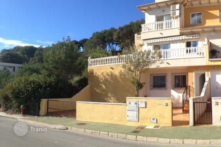 Houses for sale in Dehesa de Campoamor. Detached house of 4 bedrooms just 500 metres from the beach in Orihuela Costa