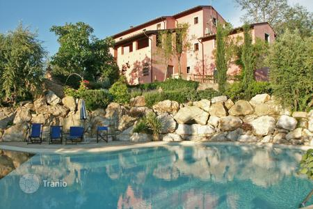 Villas and houses with pools to rent in Montopoli In Val D'arno. Villa - Montopoli In Val D'arno, Tuscany, Italy