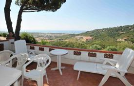 2 bedroom houses by the sea for sale in Tuscany. Villa – Castiglione della Pescaia, Tuscany, Italy