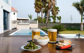 Villas and houses to rent in Canary Islands. Villa – Gran Canaria, Canary Islands, Spain