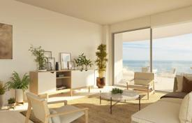 3 bedroom apartments by the sea for sale in Costa del Sol. Apartments in a luxurious residence with a pool, a gym and restaurants, 500 meters from the sea, Fuengirola, Benalmadena