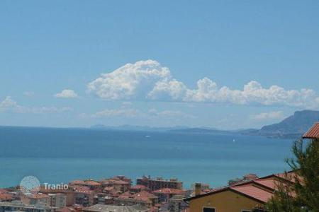 Coastal residential for sale in Ventimiglia. Apartment – Ventimiglia, Liguria, Italy