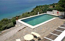 Houses with pools by the sea for sale in Peloponnese. Villa – Peloponnese, Greece