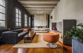 Luxury 2 bedroom apartments for sale in Southern Europe. Spacious renovated loft in a historic building with a concierge in a prestigious area, Barcelona, Spain