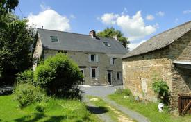 Property for sale in Normandy. Three-storey villa with a spacious garden and a mezzanine, 20 minutes from the city center, Caen, France