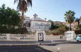 6 bedroom houses for sale in Valencia. Spacious villa with a private garden and a swimming pool, Los Balcones, Spain