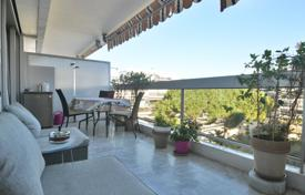 Apartments for sale in Antibes. 1 bedroom apartment — Residence with swimming pool