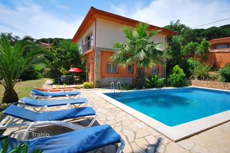 Houses for sale in Catalonia. Furnished villa with swimming pool and sauna in Serra Brava near Lloret de Mar on the Costa Brava