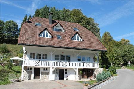6 bedroom houses for sale in Central Europe. A comfortable house with three separate apartments in the Fronde, Baden-Wurttemberg