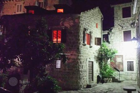 2 bedroom houses for sale in Montenegro. Villa – Perast, Kotor, Montenegro